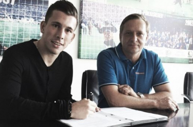 Schalke acquire the services of Pierre-Emile Højbjerg
