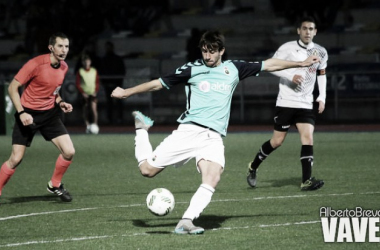 El Racing de Santander venció en la ida al Caudal Deportivo. | Foto: Alberto Brevers (VAVEL.com).