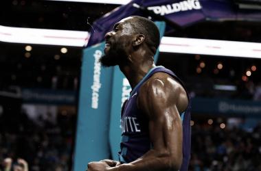 Kemba Walker destrozó la defensa de los Bulls durante todo el encuentro. Foto: At the Hive