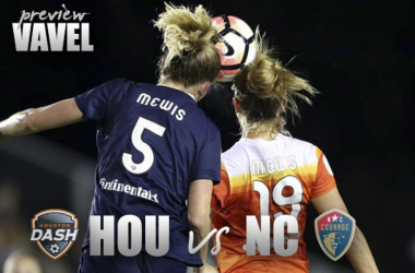 Houston Dash vs North Carolina Courage: Opposite ends of the table meet.