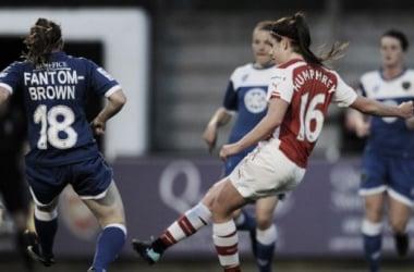 Carla Humphrey breaking the deadlock for the Gunners (image via arsenal.com)