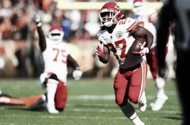 El corredor estrella de los Chiefs Kareem Hunt (foto: www.chiefs,com)
