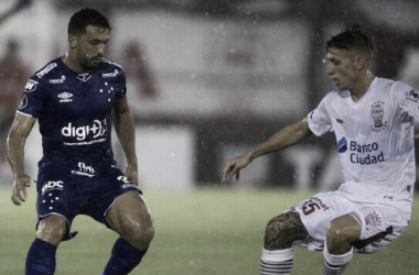 Huracán en su último partido contra Cruzeiro (Foto: AFP)