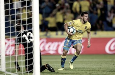 Calleri en el momento que hizo gol a Oblak. | Foto: La Liga