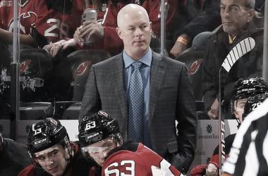 John Hynes durante un partido con los Devils | Foto: NHL.com