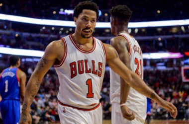 Chicago Bulls guard Derrick Rose (1) leaves the court after his team defeated the Philadelphia 76ers 114-107 in an NBA basketball game Saturday, April 11, 2015, in Chicago. (AP Photo/Matt Marton)