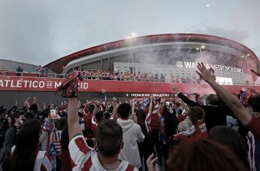 La plantilla celebrando el título de liga con la afición | Foto: Atlético de Madrid