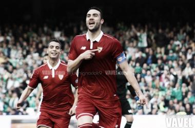 El Sevilla vence en el derbi del balón parado