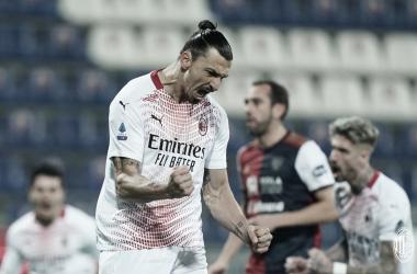 Com dois gols de Ibrahimovic, Milan vence Cagliari e permanece líder na Serie A