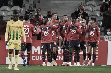 Lille vence Nantes, mantém invencibilidade e assume liderança temporária da Ligue 1