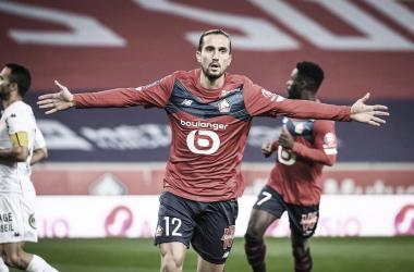 Lille se recupera na Ligue 1 com goleada sobre Lorient e permanece na vice-liderança