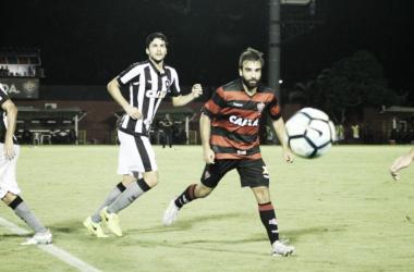 Botafogo abre dois gols de vantagem mas cede empate ao Vitória na segunda etapa