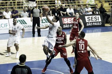 Alexey Borges sumando | Foto: FIBA Basketball, Liga Sudamericana