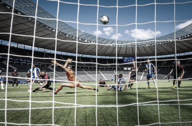 Hertha Berlin bate Augsburg e segue invicto no retorno da Bundesliga