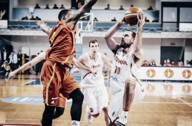 España supera a Montenegro con momentos de brillantez