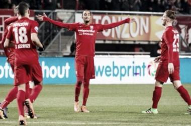 Los problemas del descenso son cosa del pasado para el Twente, que viene de ganar 2-1 al PEC Zwolle. (Foto: voetbalcentraal.nl)