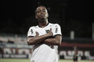 Com três de Keno, Atlético-MG vence Atlético-GO de virada e assume liderança