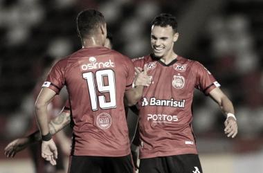 Brasil de Pelotas bate Botafogo-SP e conquista primeira vitória fora de casa na Série B