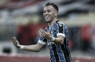 Atacante do Grêmio, Pepê é o maior alvo do Porto para atual janela de transferências