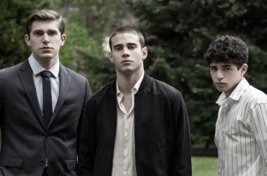 Netflix confirmó la adaptación de la exitosa novela 'A través de mi ventana'