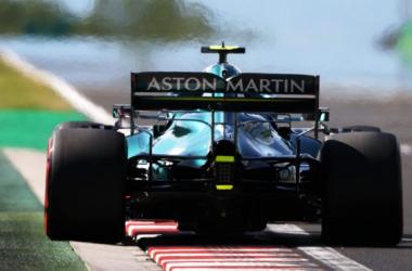Monoplaza de Sebastian Vettel. Vía: The Official Home Formula One