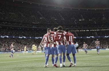 El equipo celebrando el gol del empate | Foto: Atlético de Madrid