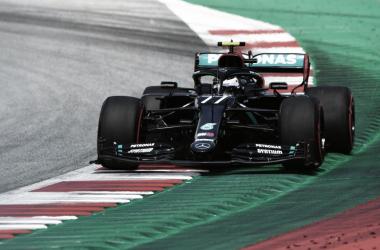 Hamilton escapa, e Bottas conquista pole position no GP da Áustria