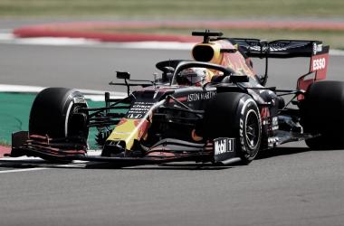 Treino livre em Silverstone tem problema de Vettel, volta de Hulkenberg e topo com Verstappen