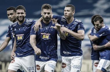 Cruzeiro goleia Brasil de Pelotas com direito a gol do meio de campo