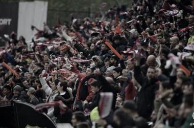 Afición rayista durante un encuentro en el Estadio de Vallecas. / Fotografía: Rayo Vallecano.