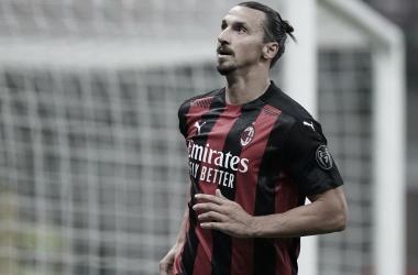 Ibrahimovic testa positivo para coronavírus e desfalca Milan na Europa League
