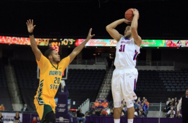 D.J. Balentine Nets 2,000th Career Point In 84-70 Evansville Purple Aces' Victory Over Norfolk State