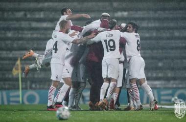 Em jogo dramático, Milan bate Rio Ave nos pênaltis e avança na Europa League