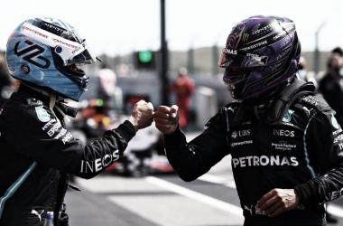 Bottas surpreende, bate Hamilton e marca pole no GP de Portugal