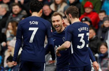 ثنائية إريكسن تقود توتنهام لنصف نهائي كأس إنجلترا
