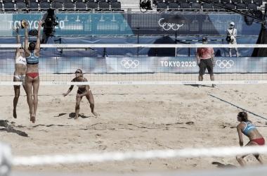 Melhores momentos Graudina/Kravcenoka (LET) x Bansley/Brandie (CAN) no vôlei de praia feminino nas Olimpíadas (2-1)