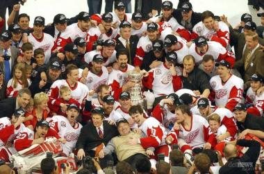 Detroit Red Wings, ganadores de la Stanley Cup en 2002 (Foto: detroitnews.com)