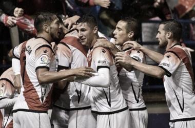 Jugadores del rayo celebrando un gol | Fuente: Rayo Vallecano S.A.D