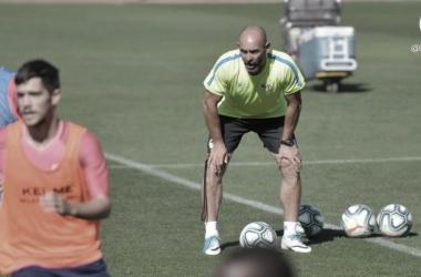 """Paco Jémez: """"No vamos a traer a un jugador sin equipo para sustituir a Bebé"""""""