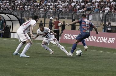 São Paulo vence Fortaleza e volta à zona da Libertadores