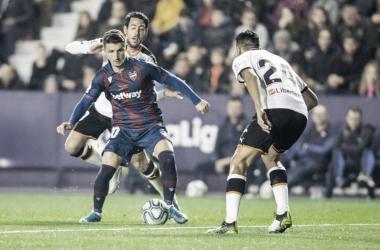 Derbi del Turia: Valencia enfrenta arquirrival Levante para manter chances de disputar competições europeias