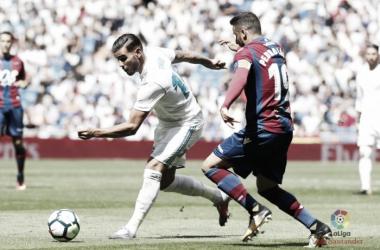 Pedro López ante el Real Madrid / Foto: Levanteud.com