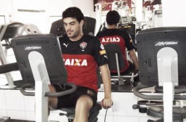 Luis Aguiar realiza exames médicos para assinar com Vitória