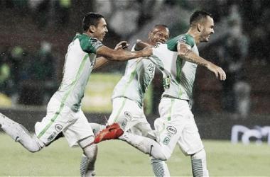 Atlético Nacional derrotó 3-1 a Santafe, y es nuevo líder de la Liga Águila 2016-I. Foto: Guillermo Ossa - El Tiempo