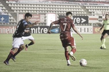 NO PUDO APROVECHAR LA CHANCE DE SER ESCOLTA. Deportivo Morón cayó en un partido que fue poco claro, y bajó hasta la cuarta posición.
