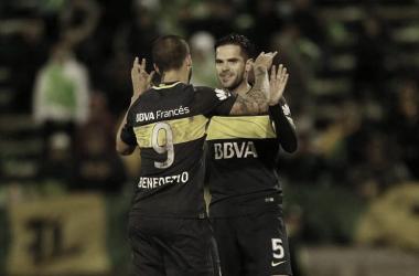 Gago y Benedetto en la goleada 0-4 frente Aldosivi en el 2017 (Foto: Diario Popular)