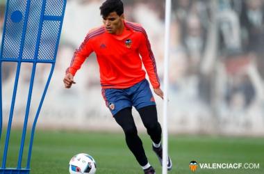 El Valencia se entrena pensando en Copa