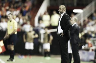 Nuno durante un partido del Valencia.   Imagen: www.valenciacf.com