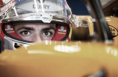 Carlos Sainz substituirá Vettel na Ferrari, segundo Verstappen