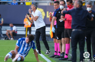 Imanol Alguacil dando órdenes en el partido ante el Cádiz. / Vía: LaLiga